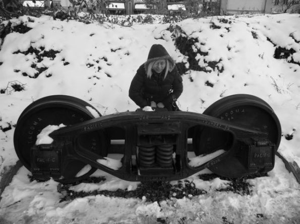 train-wheels1