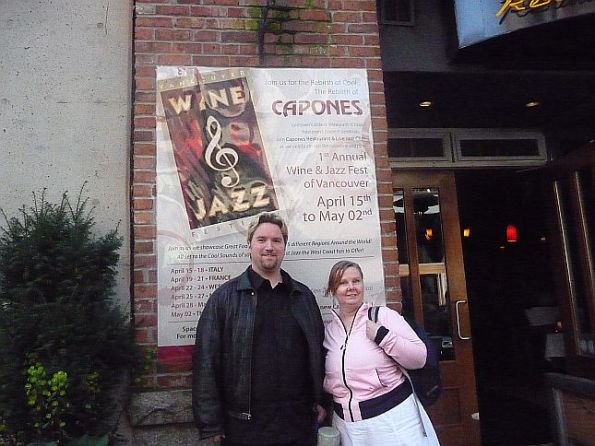 1-capones-wine-and-jazz-the-opening-with-peter-and-lorraine