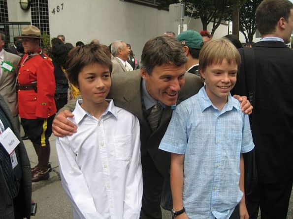 22 Japanese Royal Emperor and Empress visit Japanese Language School in Vancouver Downtown Eastside July 12, 2009 1