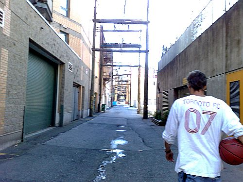 Ken reports from an alley