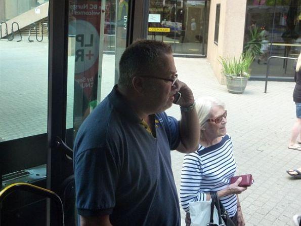 Bus Driver phones on bike thief 1