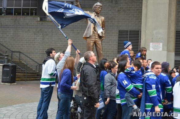 6 AHA MEDIA films Peter Davies in Vancouver Canucks promo video shoot