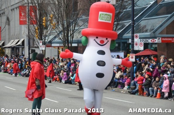 122 AHA MEDIA at 10th Annual Rogers Santa Claus Parde in Vancouver 2013