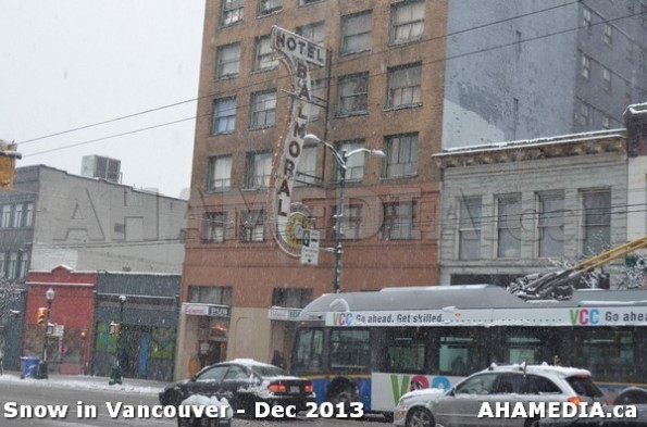 123 AHA MEDIA sees Snowfall in Vancouver Dec 2013