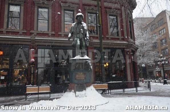 158 AHA MEDIA sees Snowfall in Vancouver Dec 2013