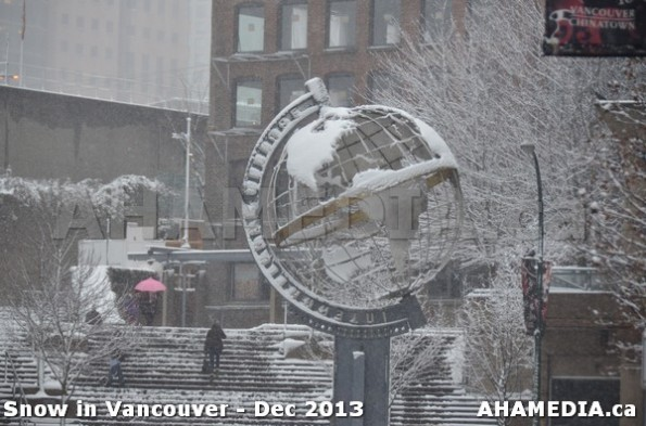 19 AHA MEDIA sees Snowfall in Vancouver Dec 2013
