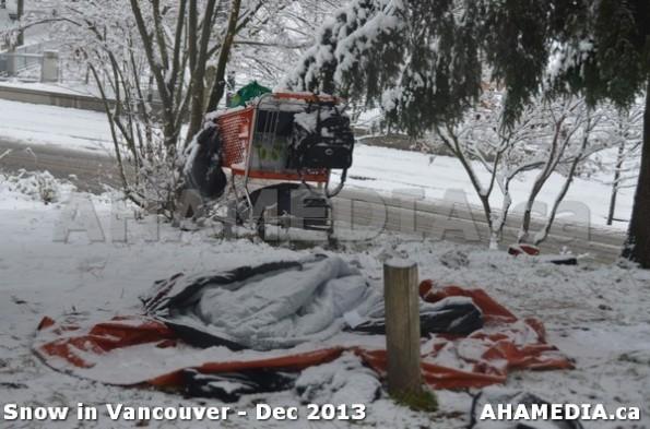 39 AHA MEDIA sees Snowfall in Vancouver Dec 2013